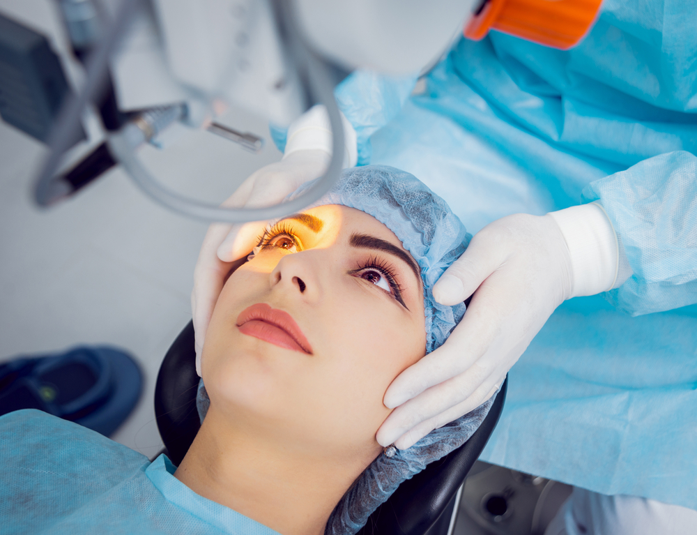 eye doctor performing eye surgery in OKC.jpg