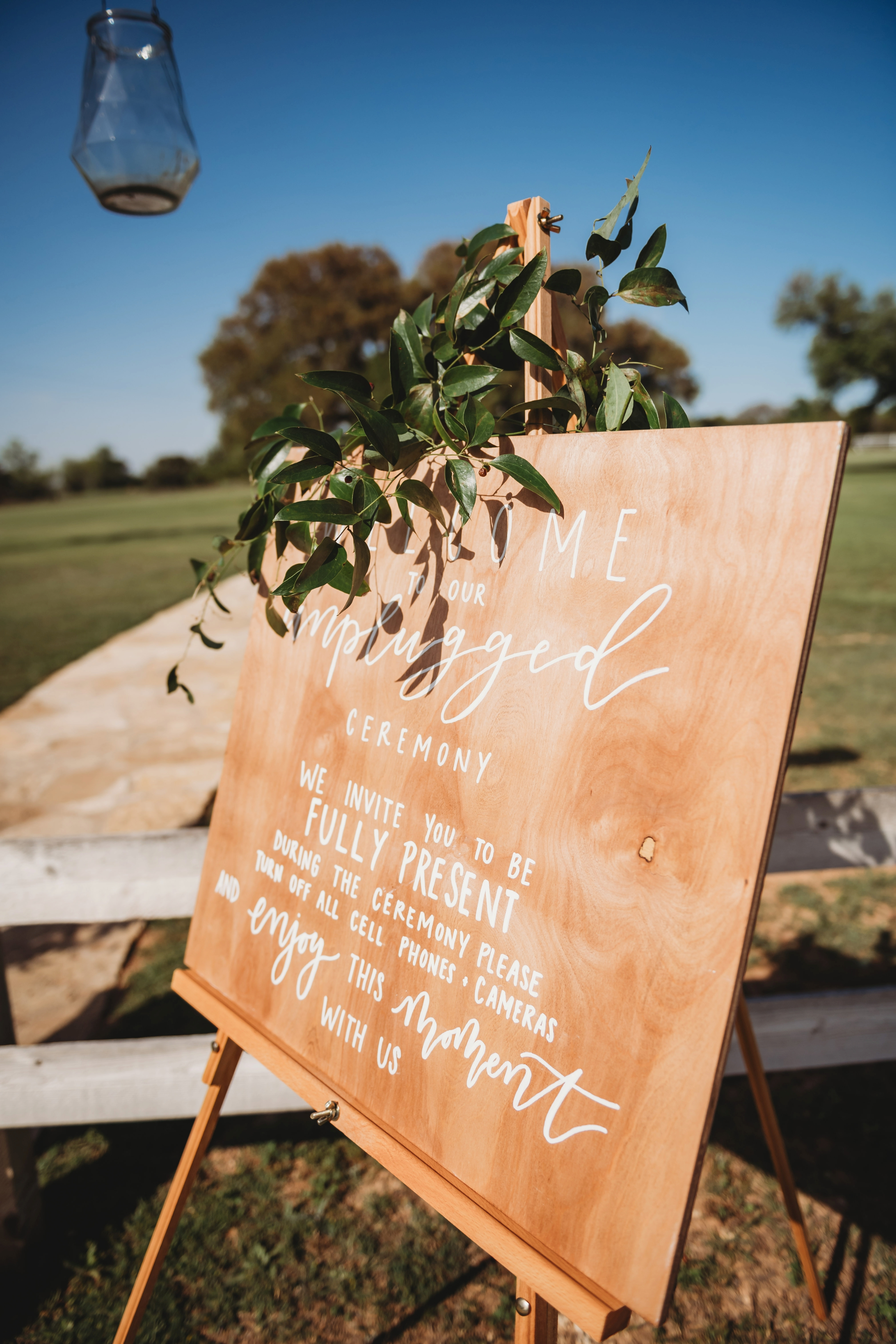 The-White-Fiore-Five-Oaks-Farm-Fort-Worth-Wedding-Planner-Ceremony_005.jpg