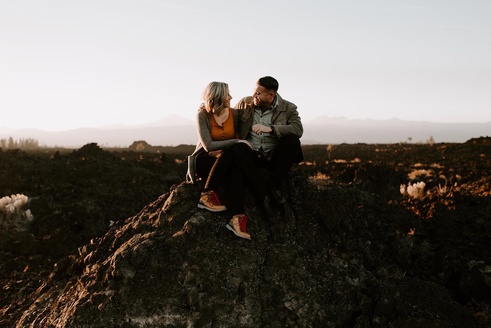 TIFFANDTOM-bendoregon-couplessession-madelinerosephotographyco-11.jpg