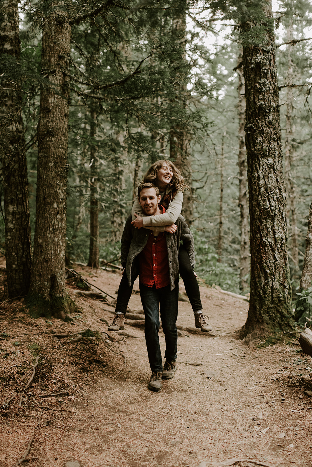 Alex and JD's Adventurous Mt Hood Couples Session | Oregon Wedding Photographer | Madeline Rose Photography Co.