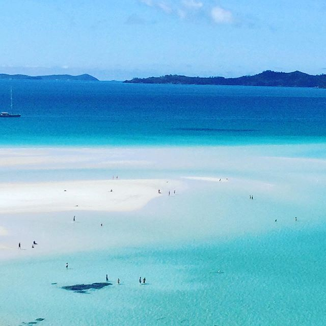 Turns out the Whitsundays are a bit of all right. Thanks @daydreamislandresort for organising our trip to Whitehaven Beach . . . . . . . #traveldeeper #myinstadiary #travelwriting #travel #travelholic #travelpic #travelblogger #traveller #travelbug #digitalnomads #instago #postcardsfromtheworld #picoftheday #wow #dreamscape #australia #queensland #holidaytips #gohere #summer #passportpassion #traveltheworld