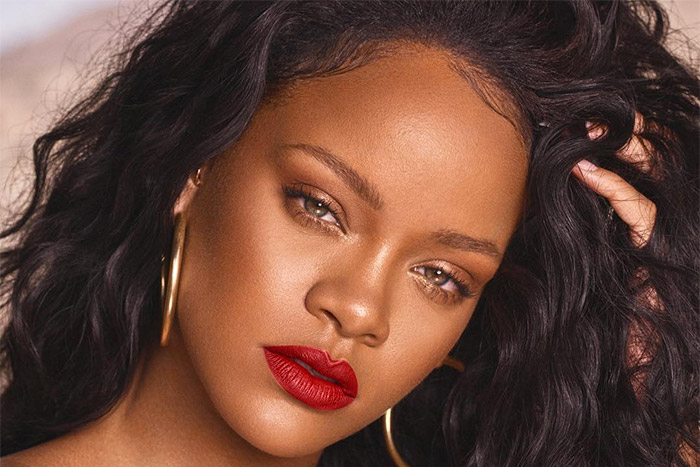 rap-up.com  She told you she won't stop. On International Women's Day, Rihanna reached a new milestone, becoming the first woman ever to cross the 2 billion worldwide streams plateau on Apple Music.