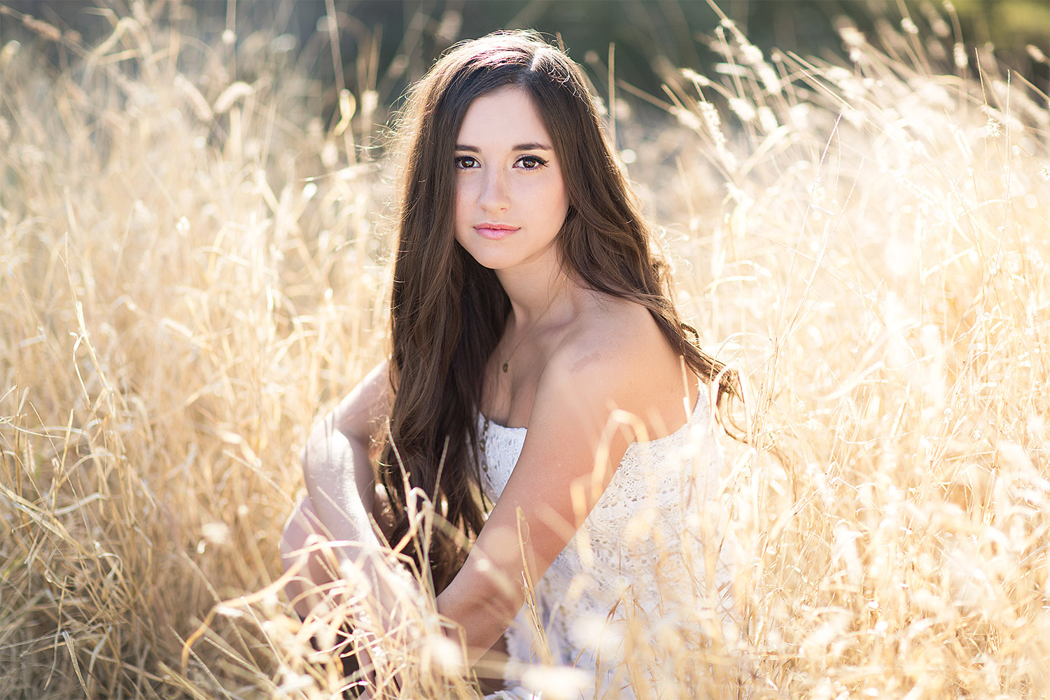 Stephanie Newbold Senior Portrait Photographer