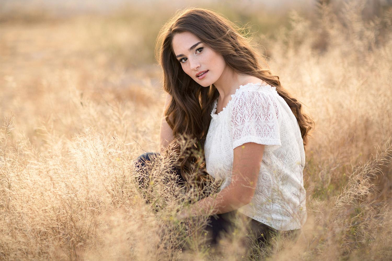 Stephanie Newbold Senior Portrait Photographer