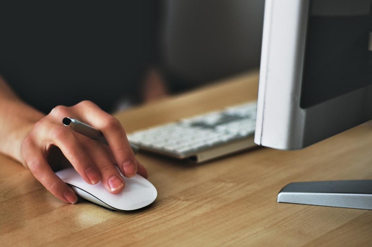 business hand computer mouse.jpeg