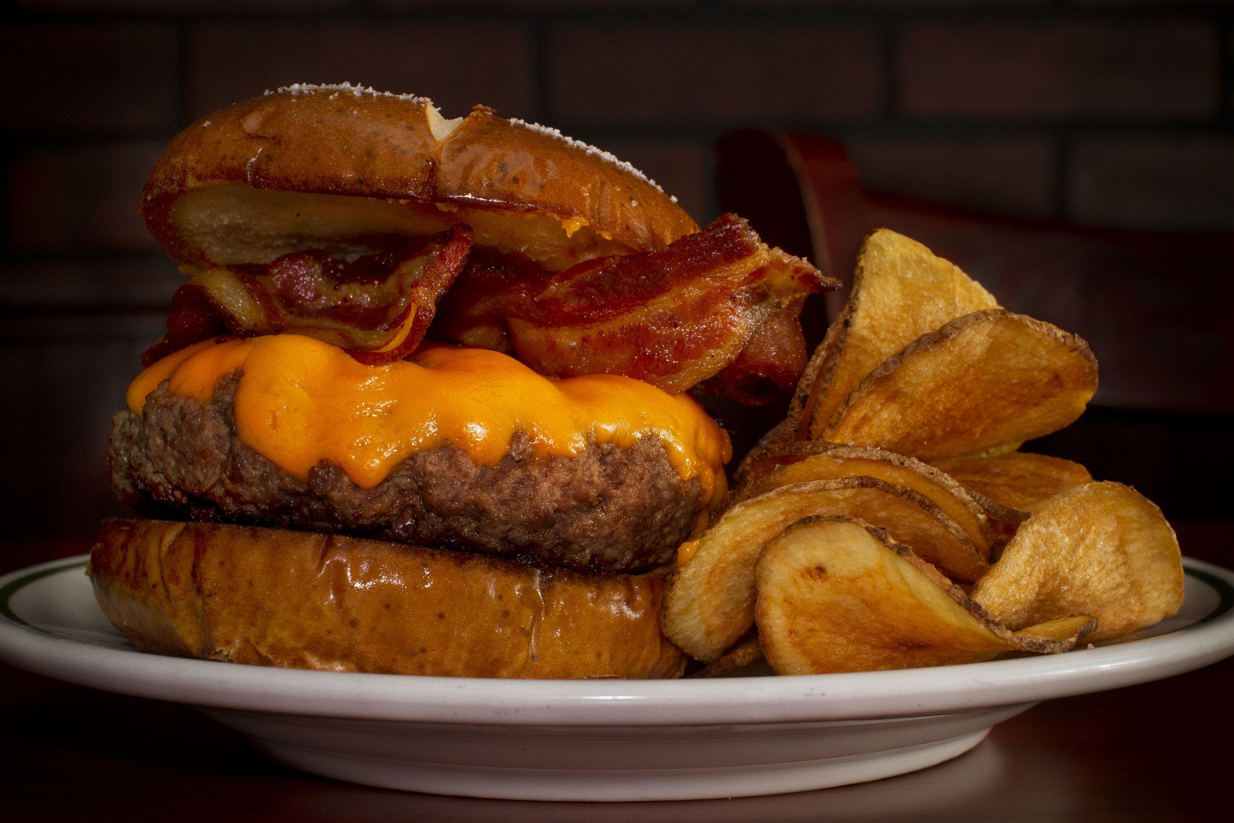 Cheddar burger.jpg