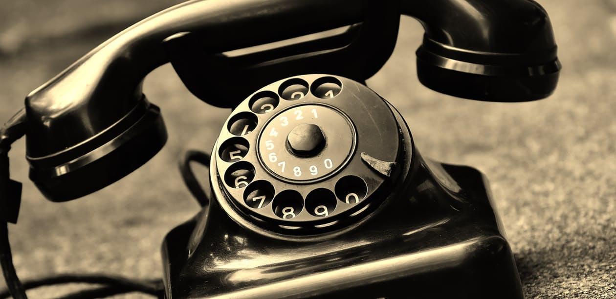 old telephone pexels-photo-209634.jpeg