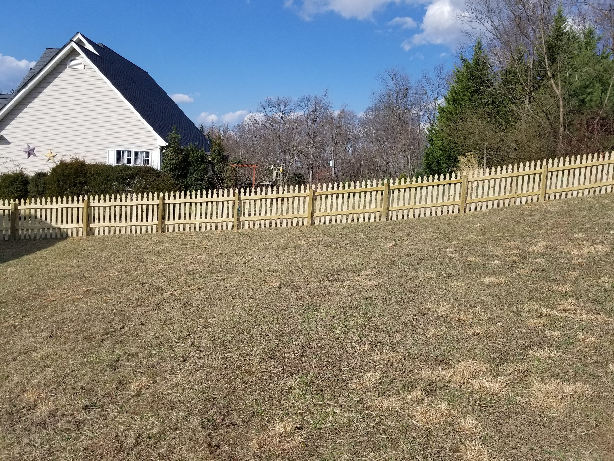 New Wood Picket Fence 300 Feet (Gray, Tn)