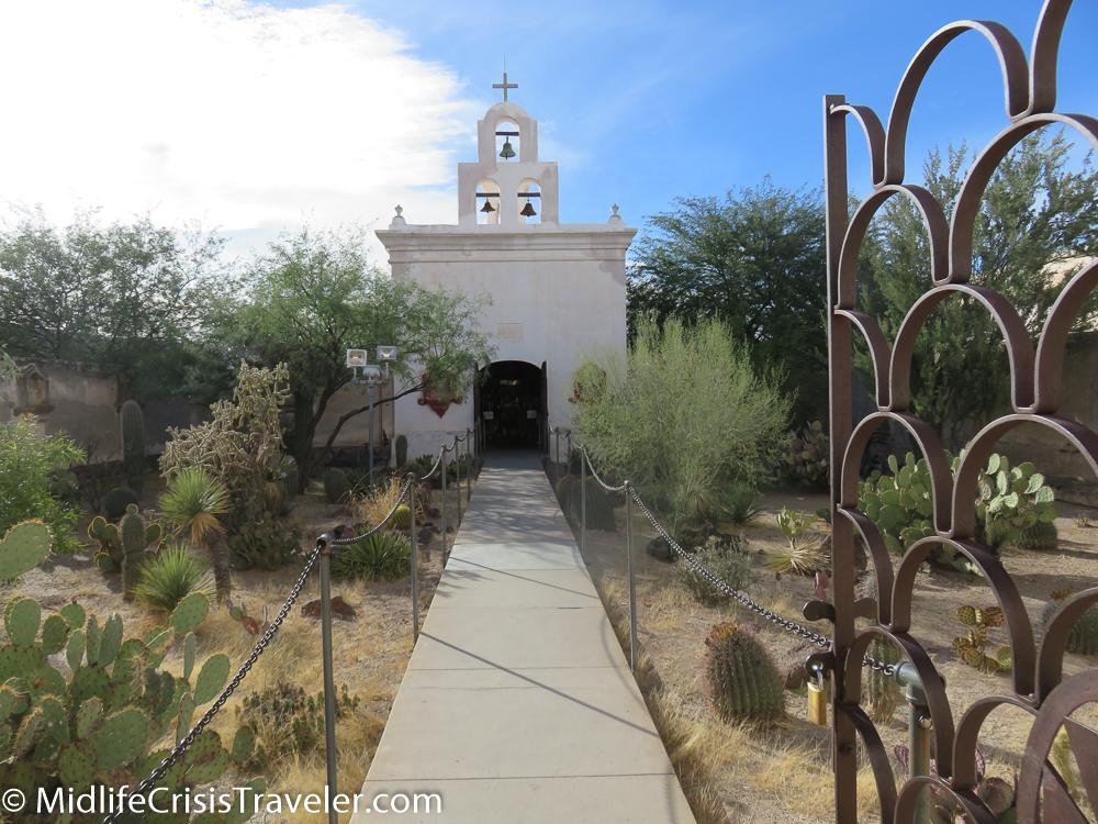 Mission San Xavier del Bac-19.jpg