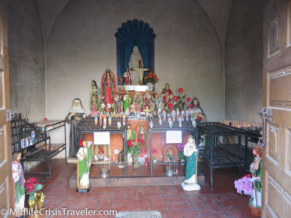 Mission San Xavier del Bac-17.jpg