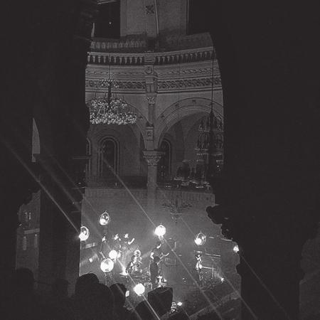 SPECTACLES À L'ÉGLISESAINTE-THÉRÈSE-D'AVILA - Initiative du Festival Santa Teresa qui a lieu au printemps dans le village, l'équipe présente aussi quelques spectacles-surprises durant l'année. Avec l'acoustique magique de notre grande l'église, vous aurez des frissons à tout coup.