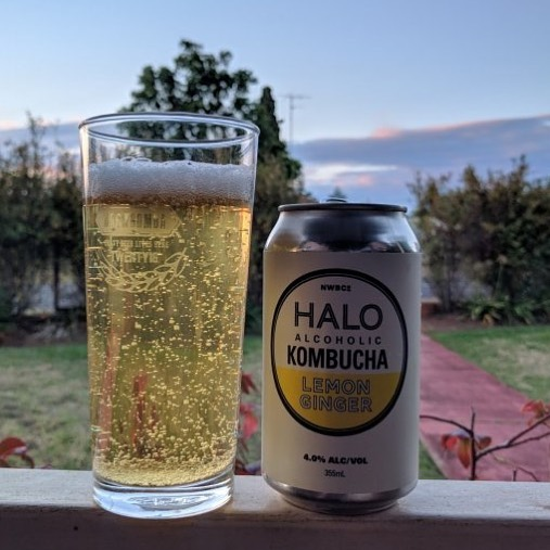 Now pouring on tap at the Cricketers Arms Balmain... Halo alcoholic Kombucha  Organic with Natural flavours & low Sugar. Only 90 Cal per 300ml serve 👍🏽