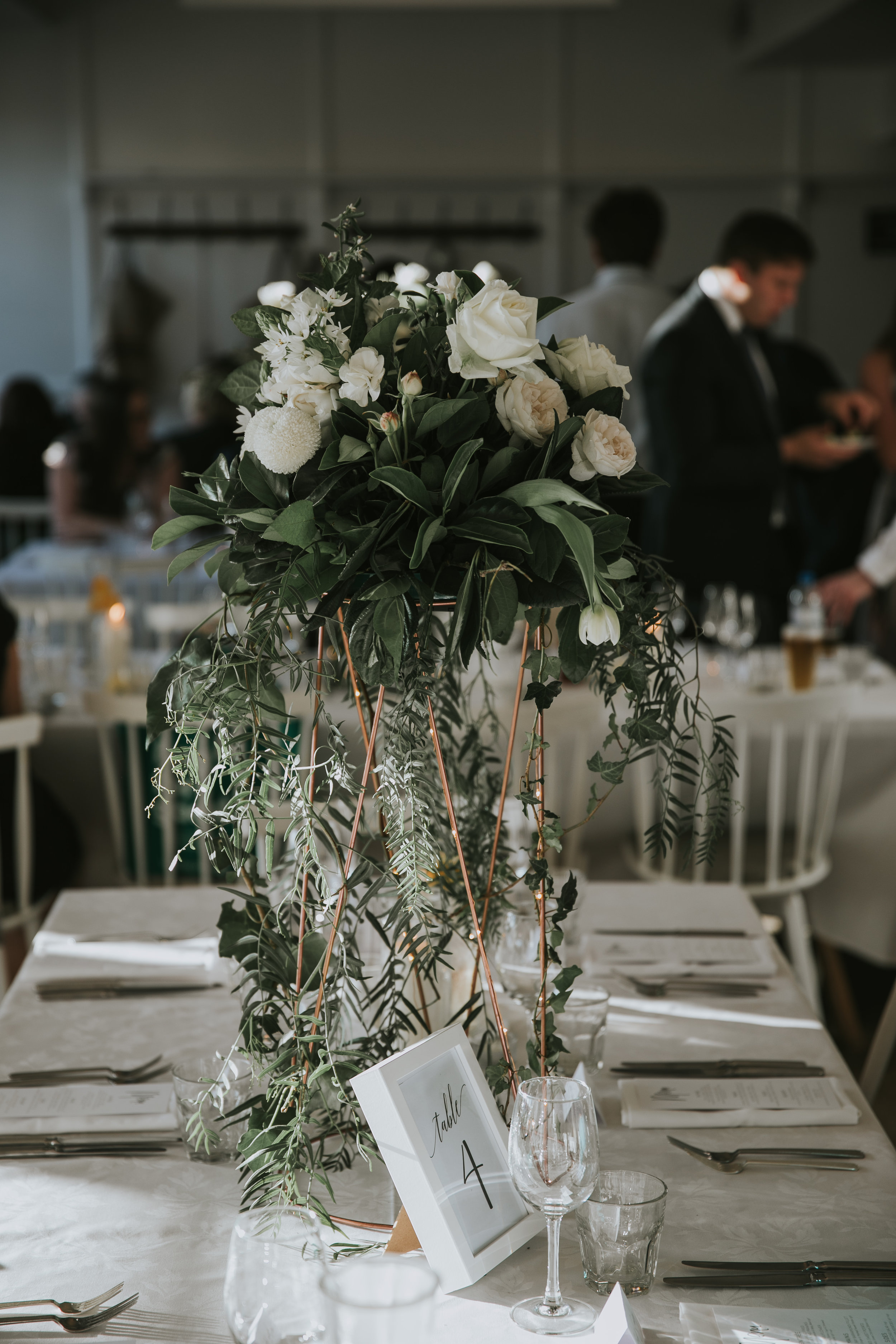 Cascading table flowers