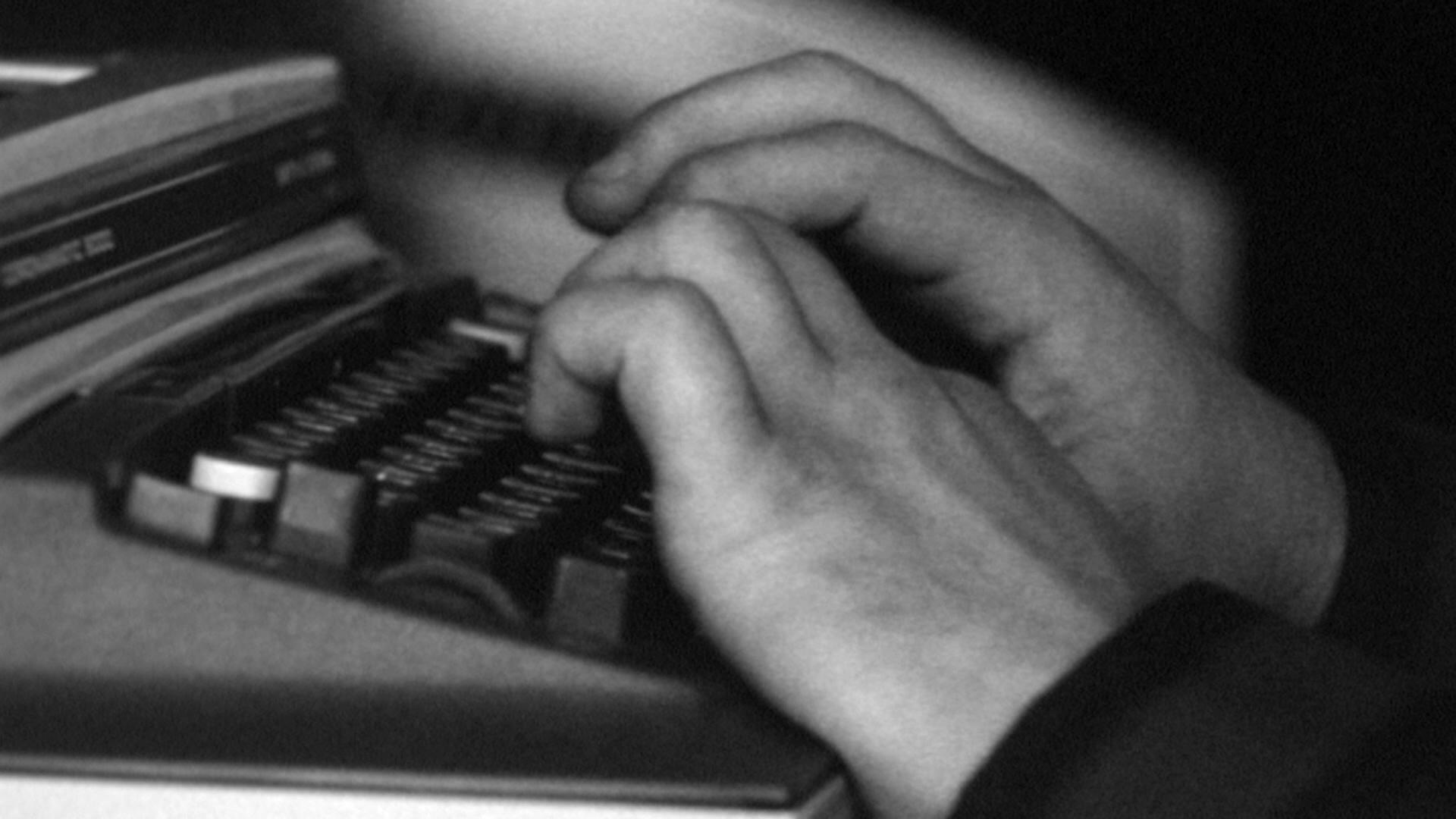 writers-block-still-02.jpg