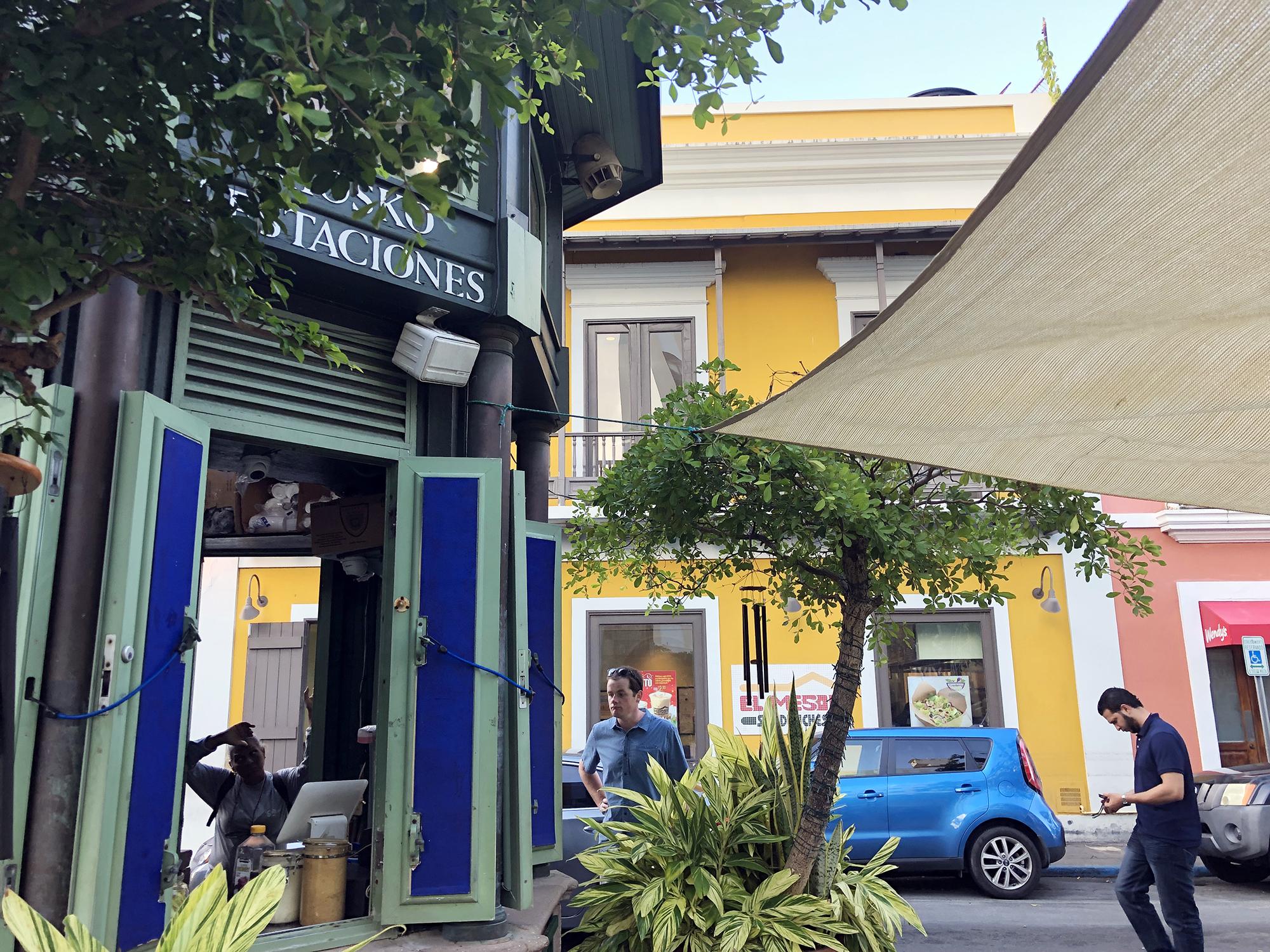 Café Cuatro Estaciones - plaza de armas, osj