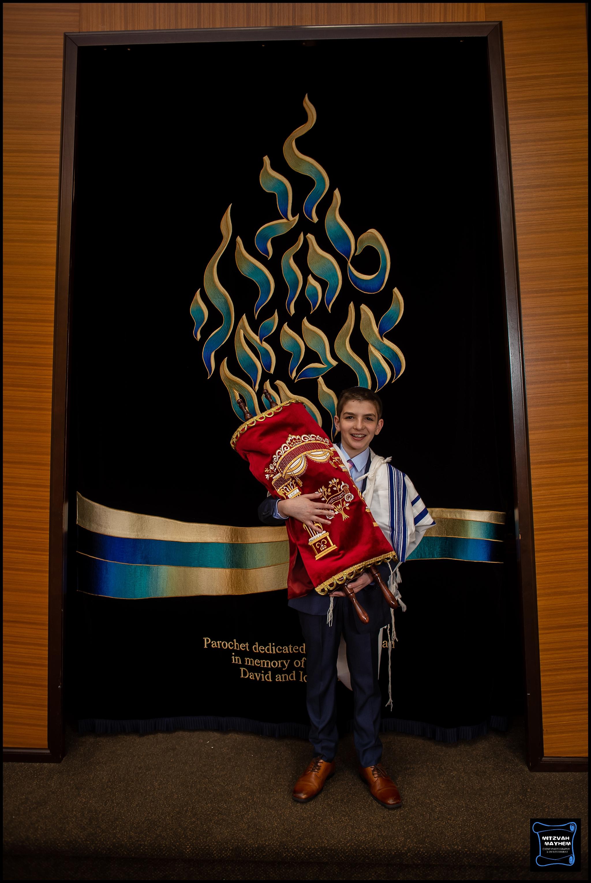IMG_0321_nj-mizvah-mayhem-photographer-jonathan.jpg