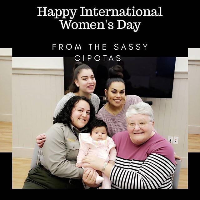 Feliz Dia Internacional de la Mujer 🥰. . #sassycipotas #internationalwomensday #girlpower #womensday #bossladies . . . . . #poderosas #diadelamujer2019 #warriorwomen #woman #strongwoman #womenofcolor #womenworld #ladies #celebrateus #idw #idw2019 #womensrights