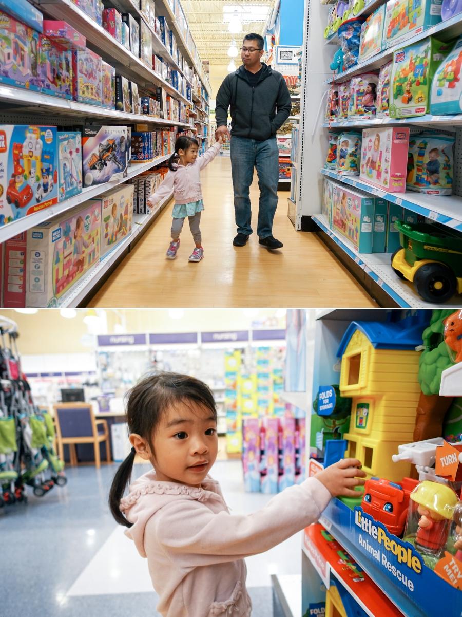 Flores Family Toys R Us - Bay Area Family Photographer 6.jpg