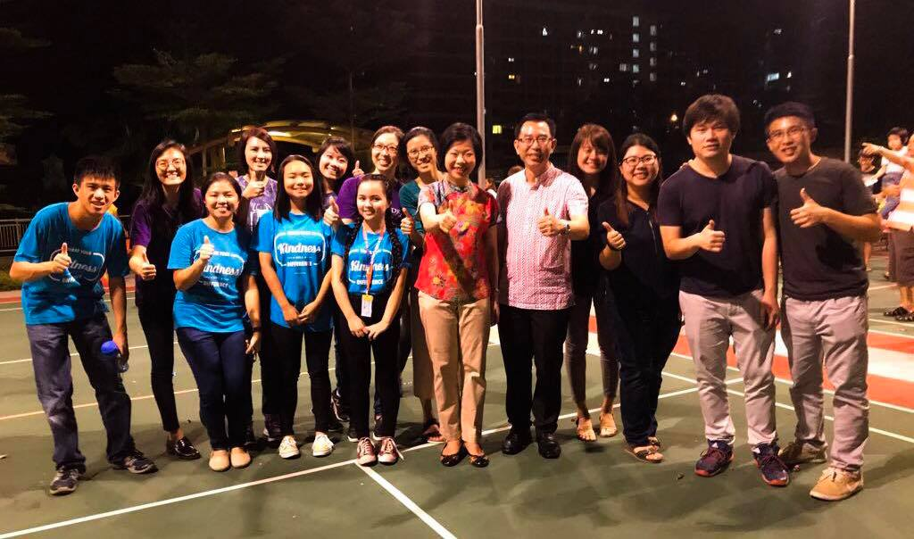 A joyous and fun filled evening at Toh Yi Mid Autumn Festival 2017 with Ms Sim Ann and youth volunteers! Happy Mid Autumn Festival!