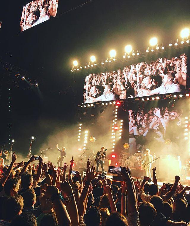 Amazing show tonight @kingsofleon // #gsx2017 #ciscogsx #vegasevents #gammanine #kingsofleon #livemusic