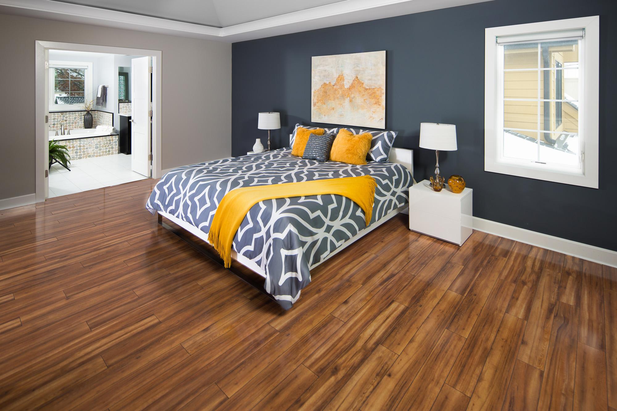 clarion-park-view-caramel-bedroom.jpg