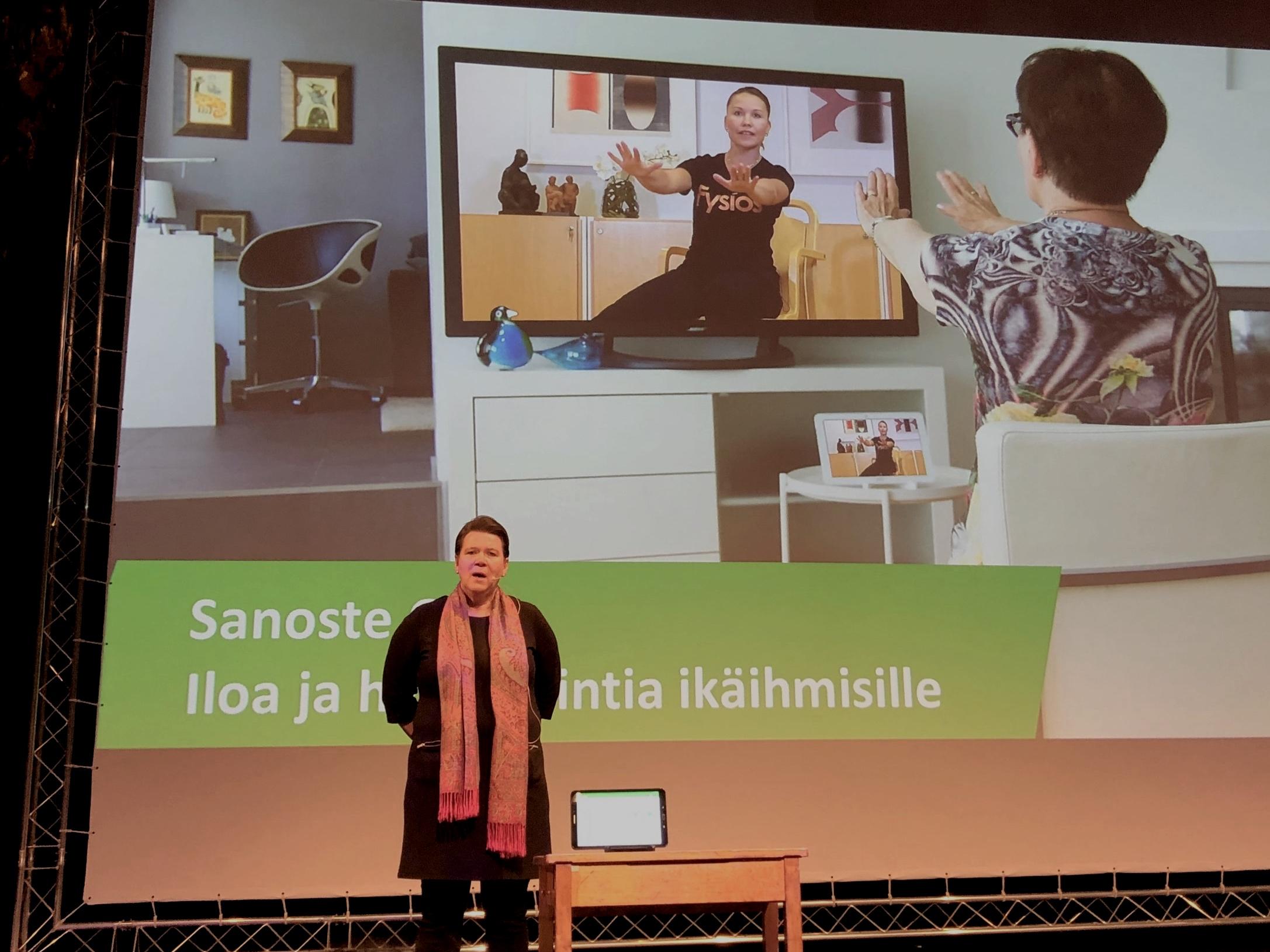 Hyvinvointiteknologian tuotteet esillä TERVE-SOS -tapahtumassa Oulussa. Vuorossa Sanoste ja Marianne Dannbom.