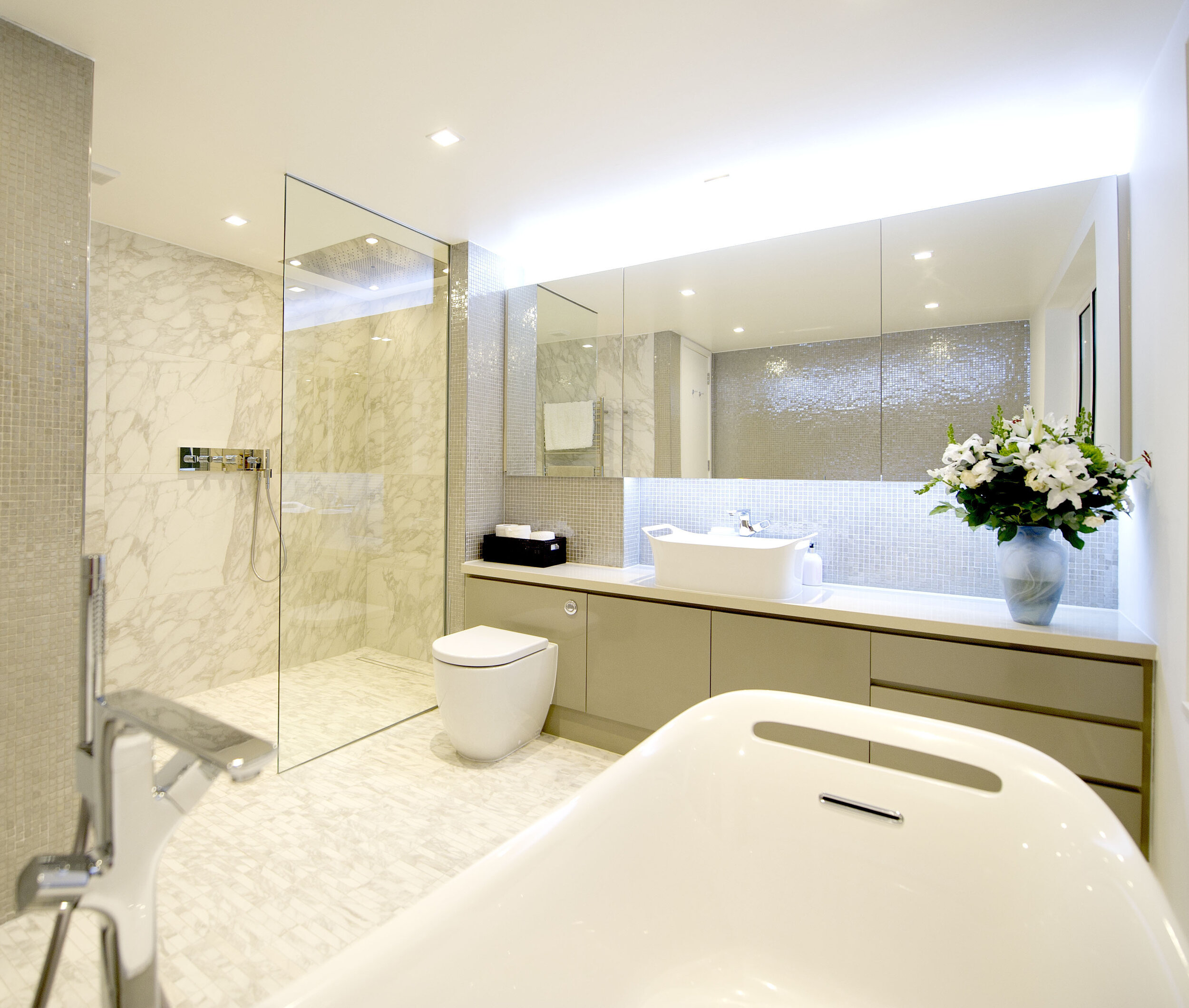 Main Bathroom edit.jpg