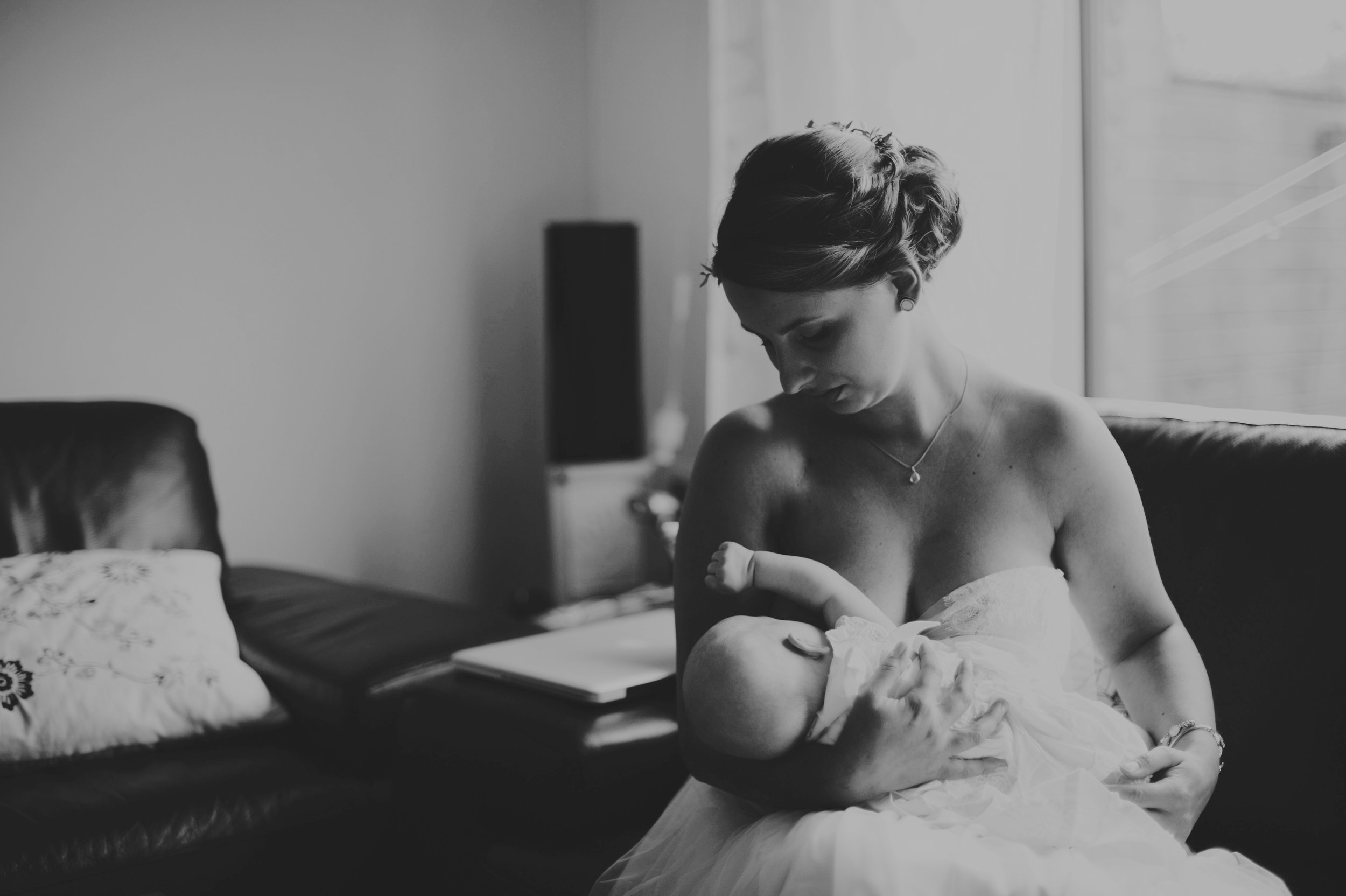 hochzeit-stillen-braut-schwanger-neugeboren.jpg