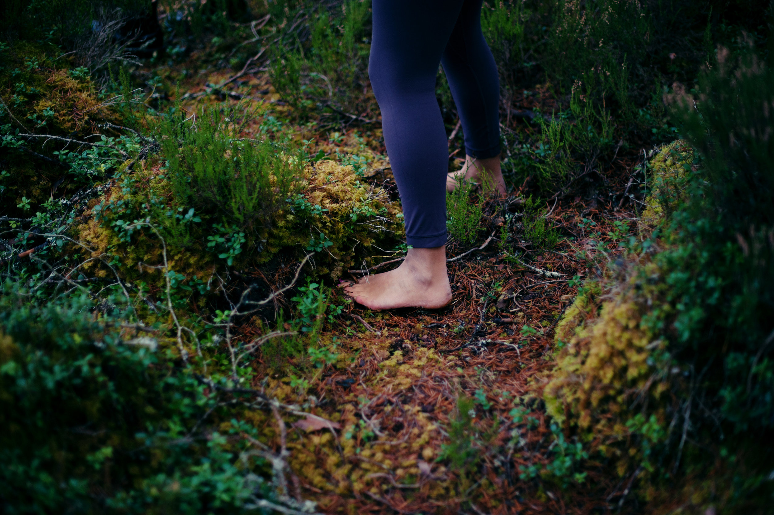 yoga-picture-scottish-highlands-katy-scherer-feet.jpg
