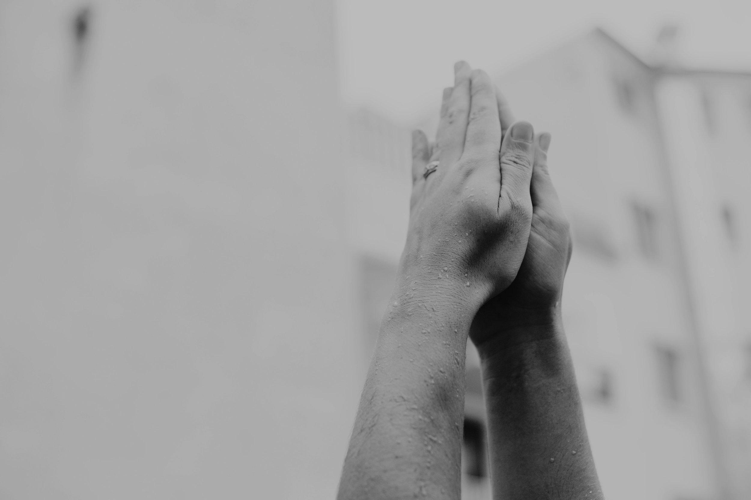 yoga-foto-prayer-hands.jpg