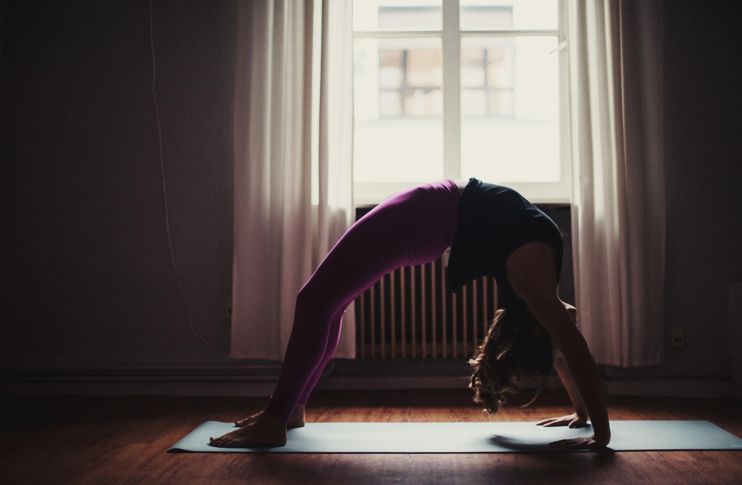 yoga-picture-the-vinyasa-people-katy-scherer-9.jpg