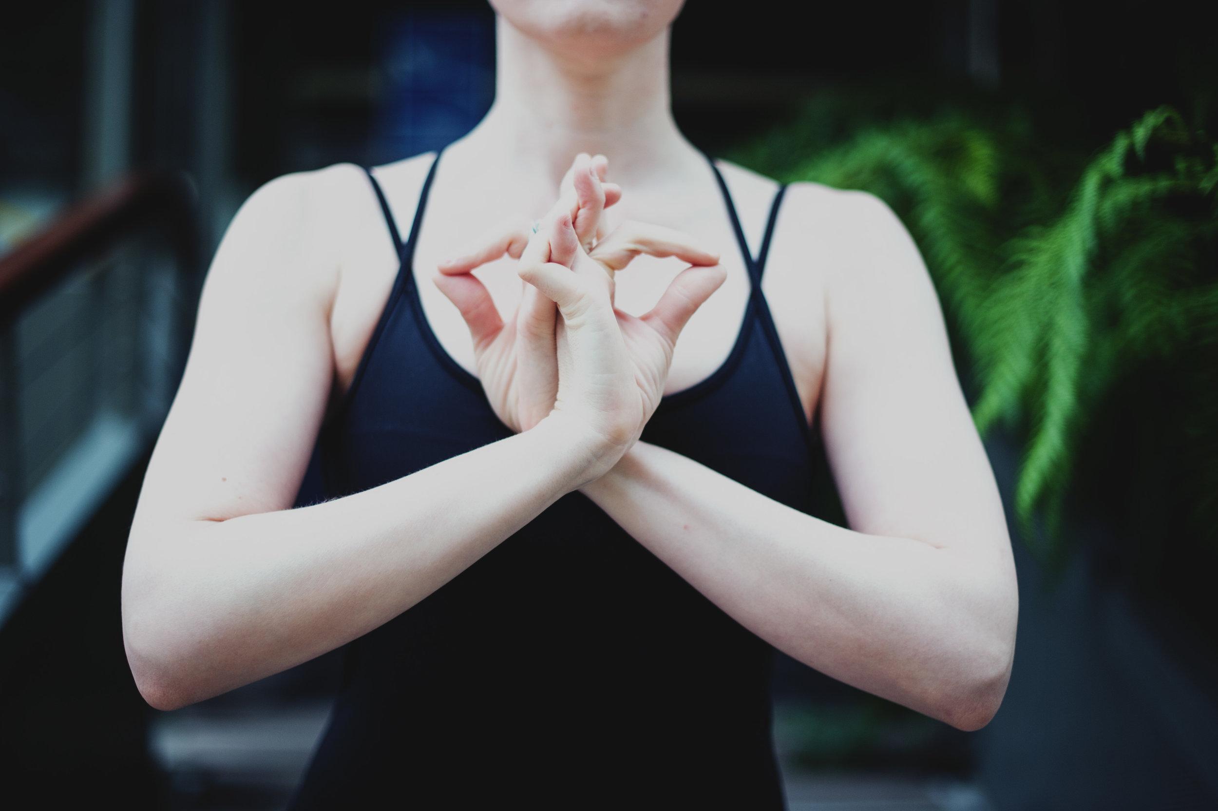 yoga-foto-mudra-sinnlich.jpg