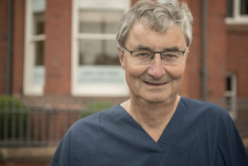 Dr Michael Hickley