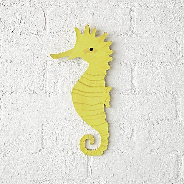 wooden-seahorse-wall-decor.jpg