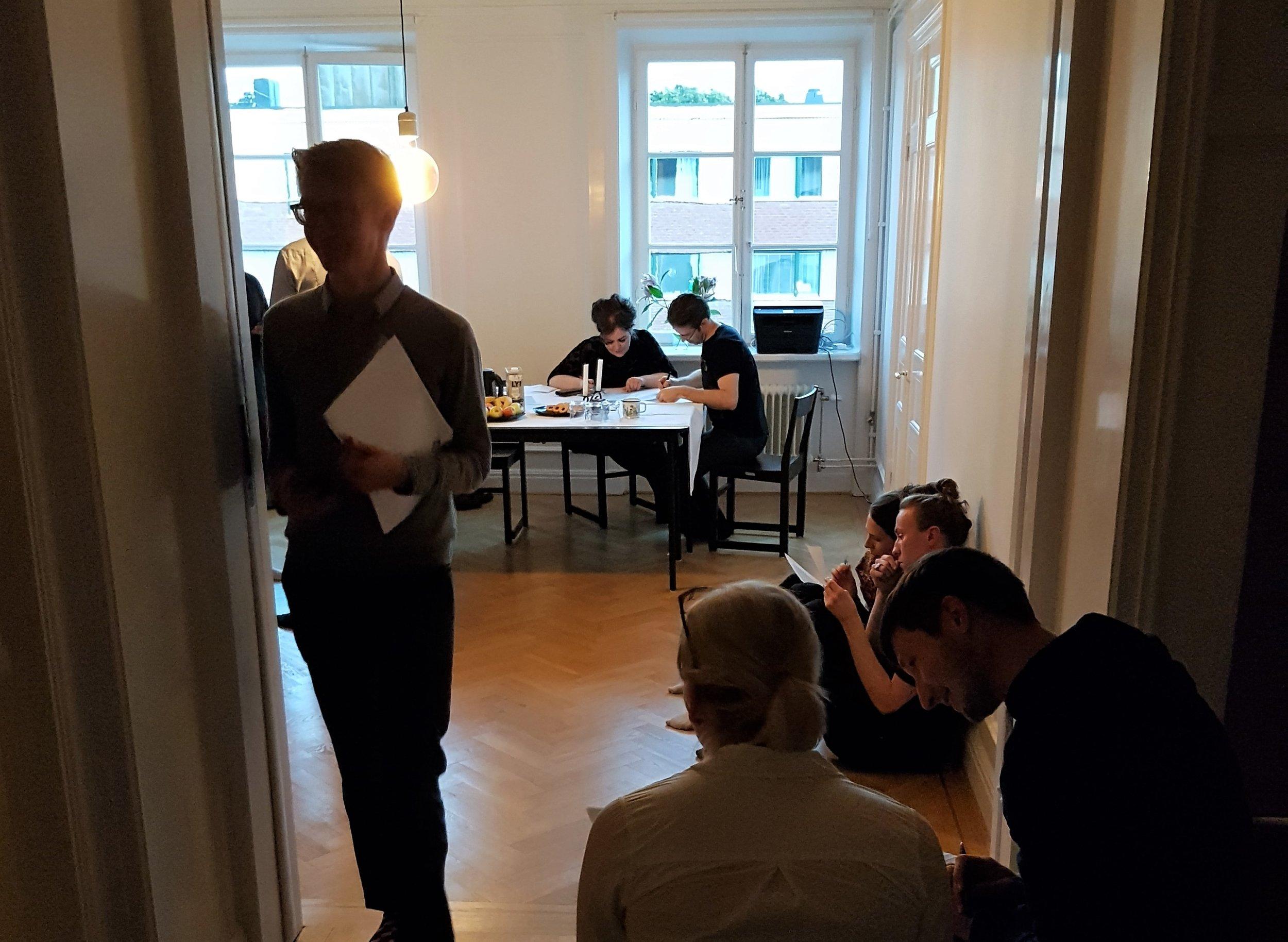 Bild från veckans workshop. Gladare åsiktsmotståndare får en leta efter!