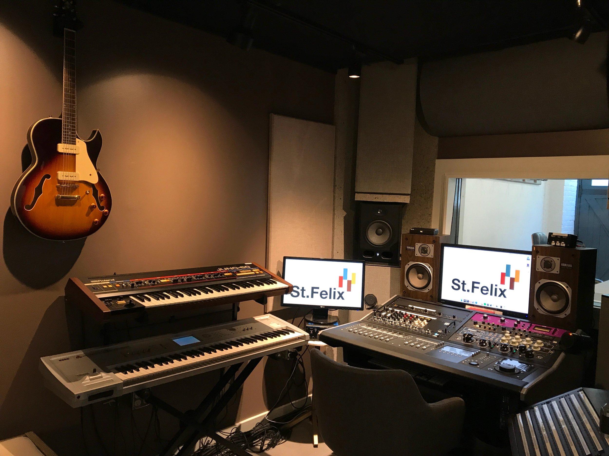 StFelix-Ctrl-Room.JPG