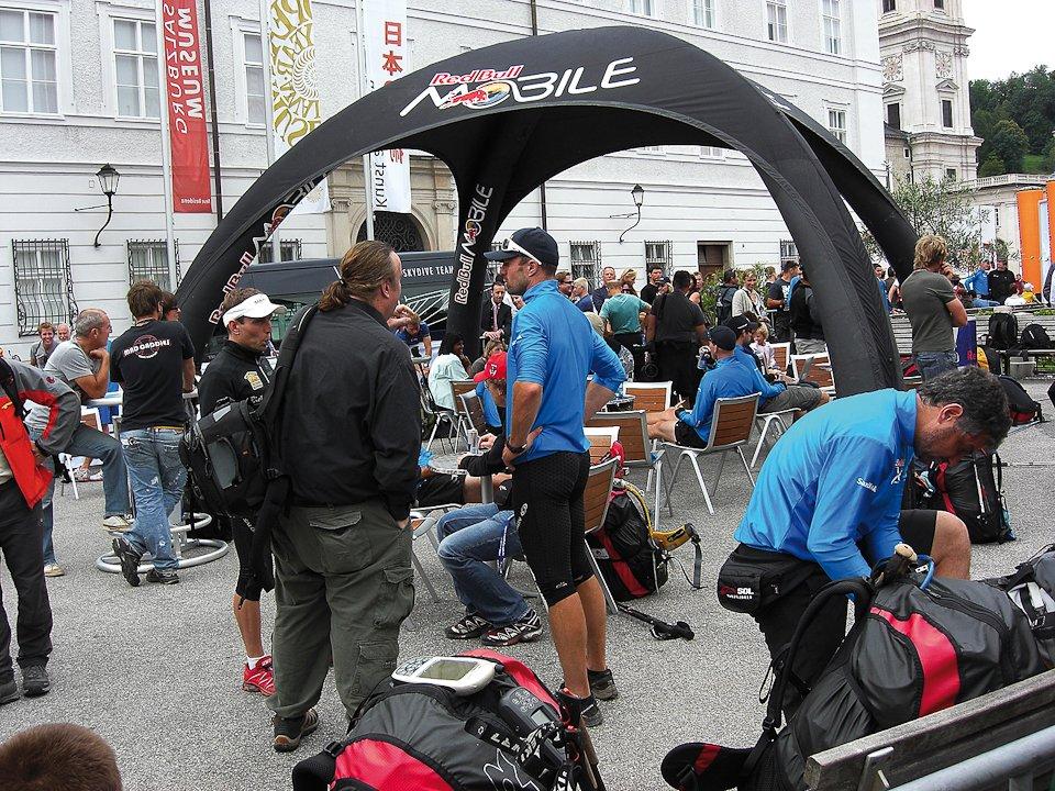 Event-Tent-X-GLOO_X-GLOO_Mobile[1].jpg