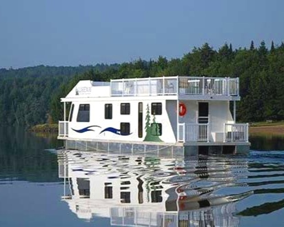 Renting a large houseboat in the Kawarthas to travel the Trent-Severn waterway . Imagine going though locks, swimming right off the deck.   (All students will have to pass two swim tests - one in a pool, and one in open water - before the trip. Teachers and students aged 14 and up will need their pleasure craft operator licence.)   Click on the image to learn more.