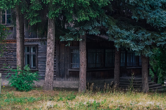 house-889223_640.jpg