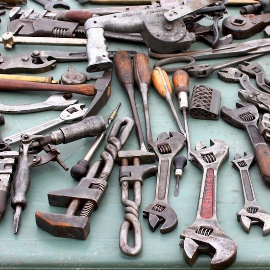 Technische beroepen - HandgereedschapElektrisch (hand) gereedschapLand- en tuinbouwgereedschapKleine werkplaatsmachinesSchroeven, bouten, schuurpapier, etc.