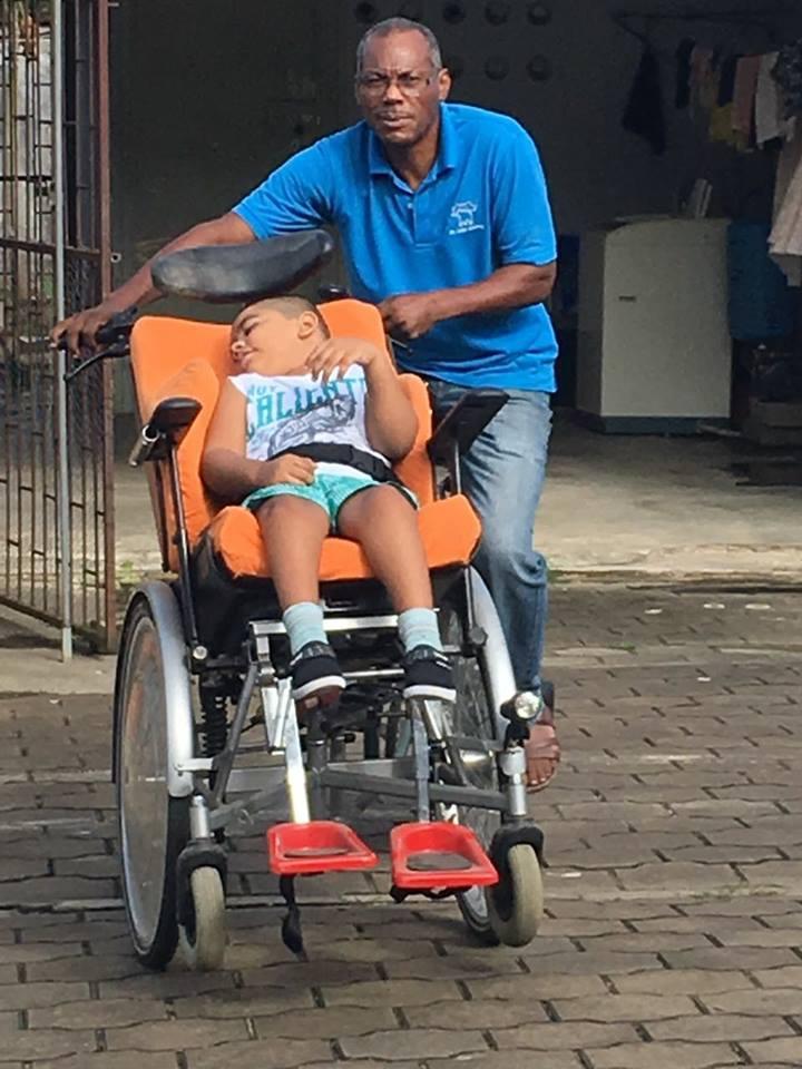 mr huber stichting Suriname.jpg