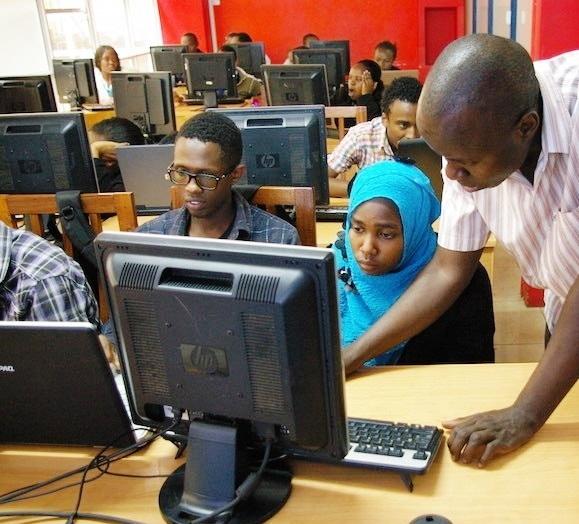 Computerles Murera Kenia.jpg