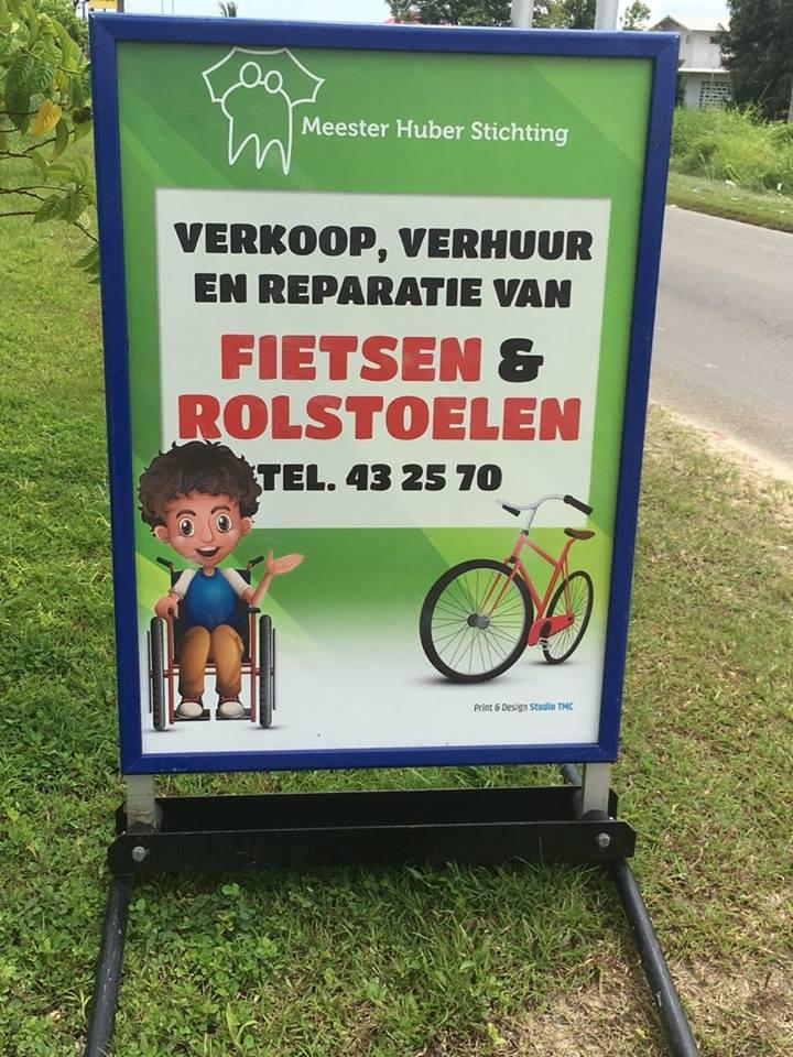 nieuw bord fietsenwerkplaats Mr Huber stichting.jpg