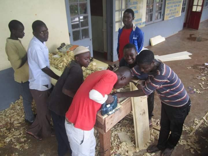 Leerlingen van FCOMU, Oeganda