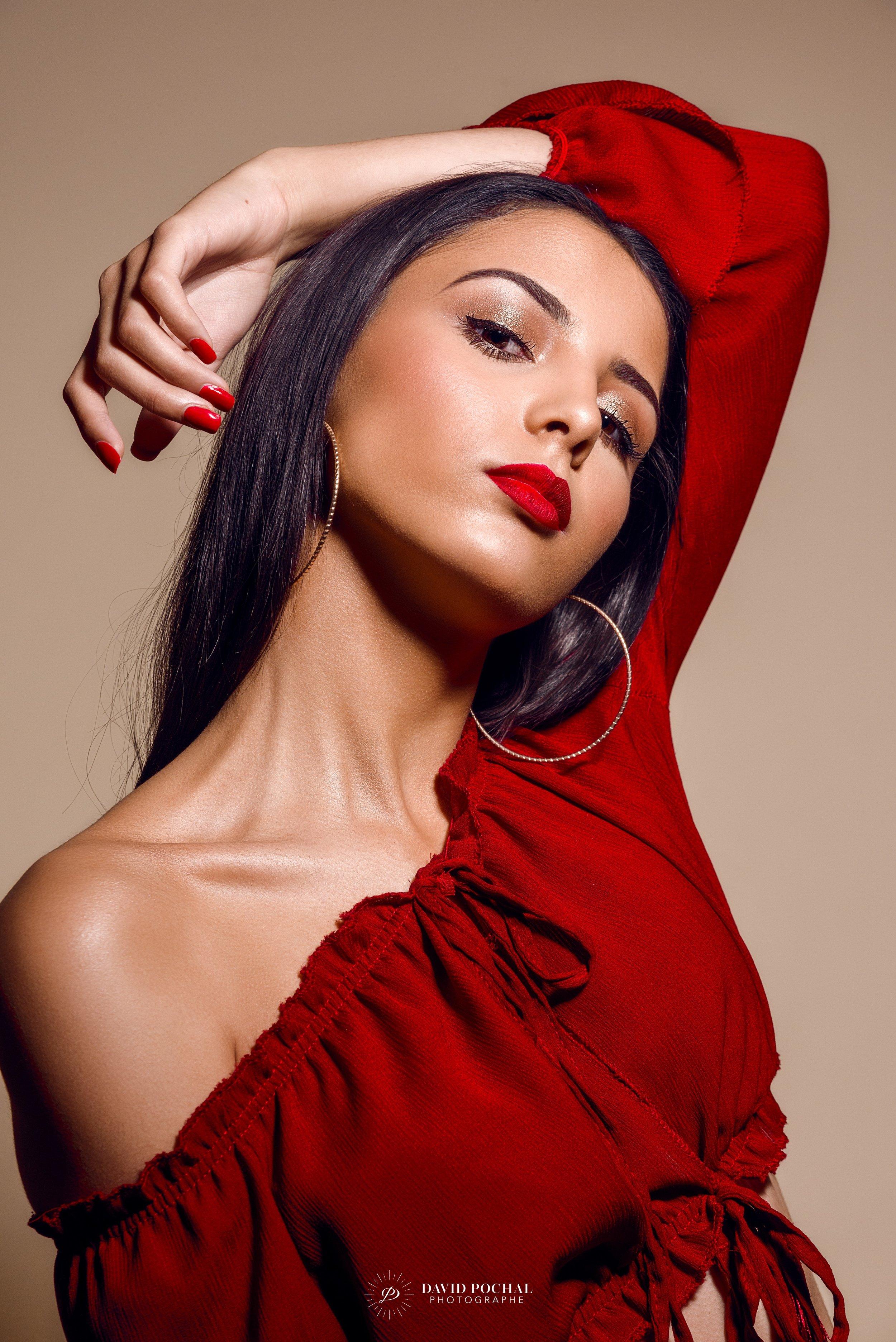 Amalie_goldand prestige_ Mode_portrait professionnel_By David Pochal Photographe_By David Pochal.jpg