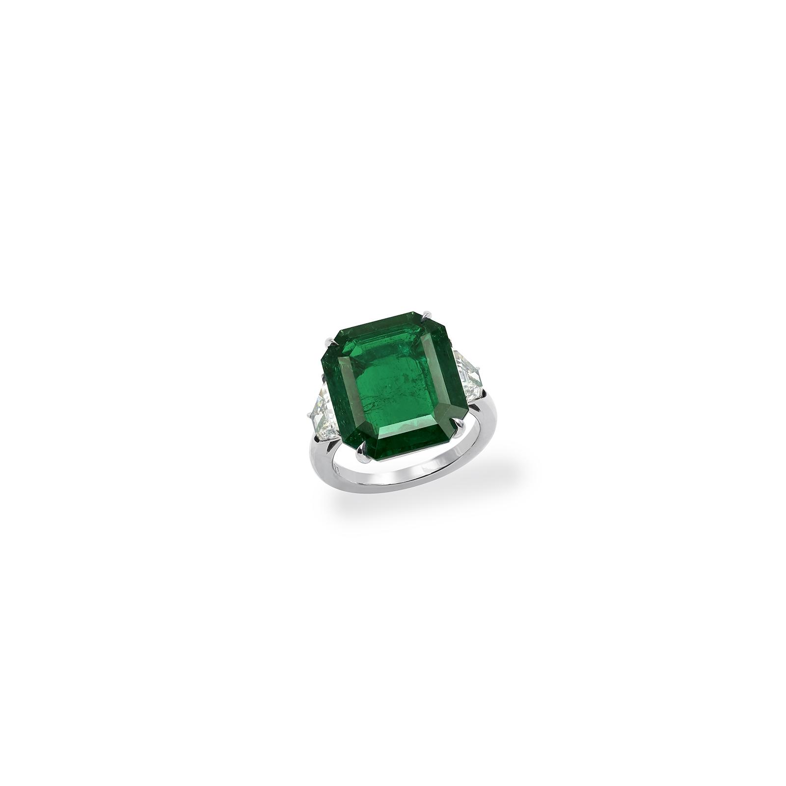 9 carat emerald cut ring