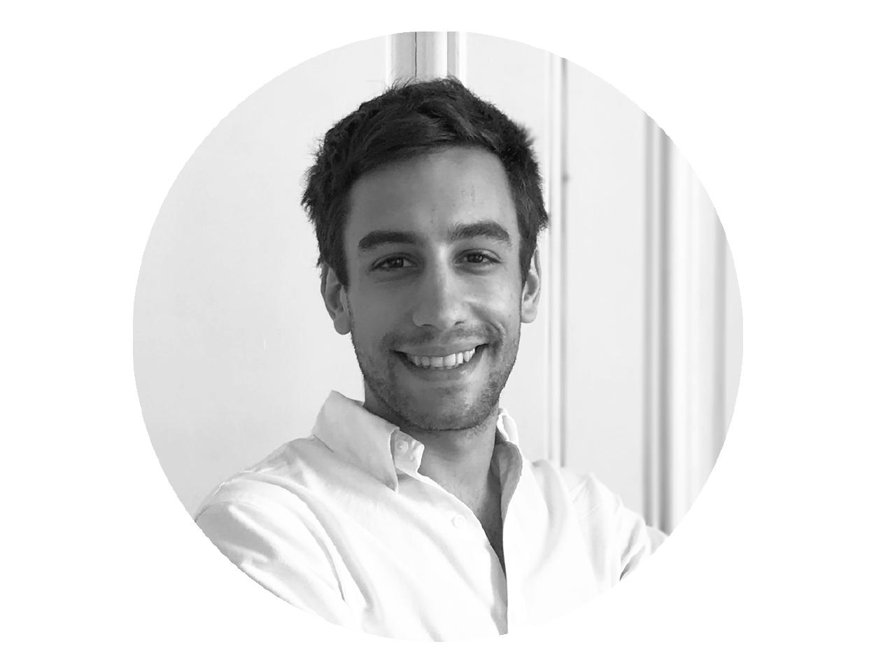 Juan Ignacio Souto |Relaciones con Inversores - Juani está a cargo de las operaciones y las finanzas de cada uno de los edificios en el negocio de Stays. Se desenvolvió como emprendedor durante 3 años hasta sumarse como inversor y como Director de Operaciones a Casa Campus. CONTACTAR