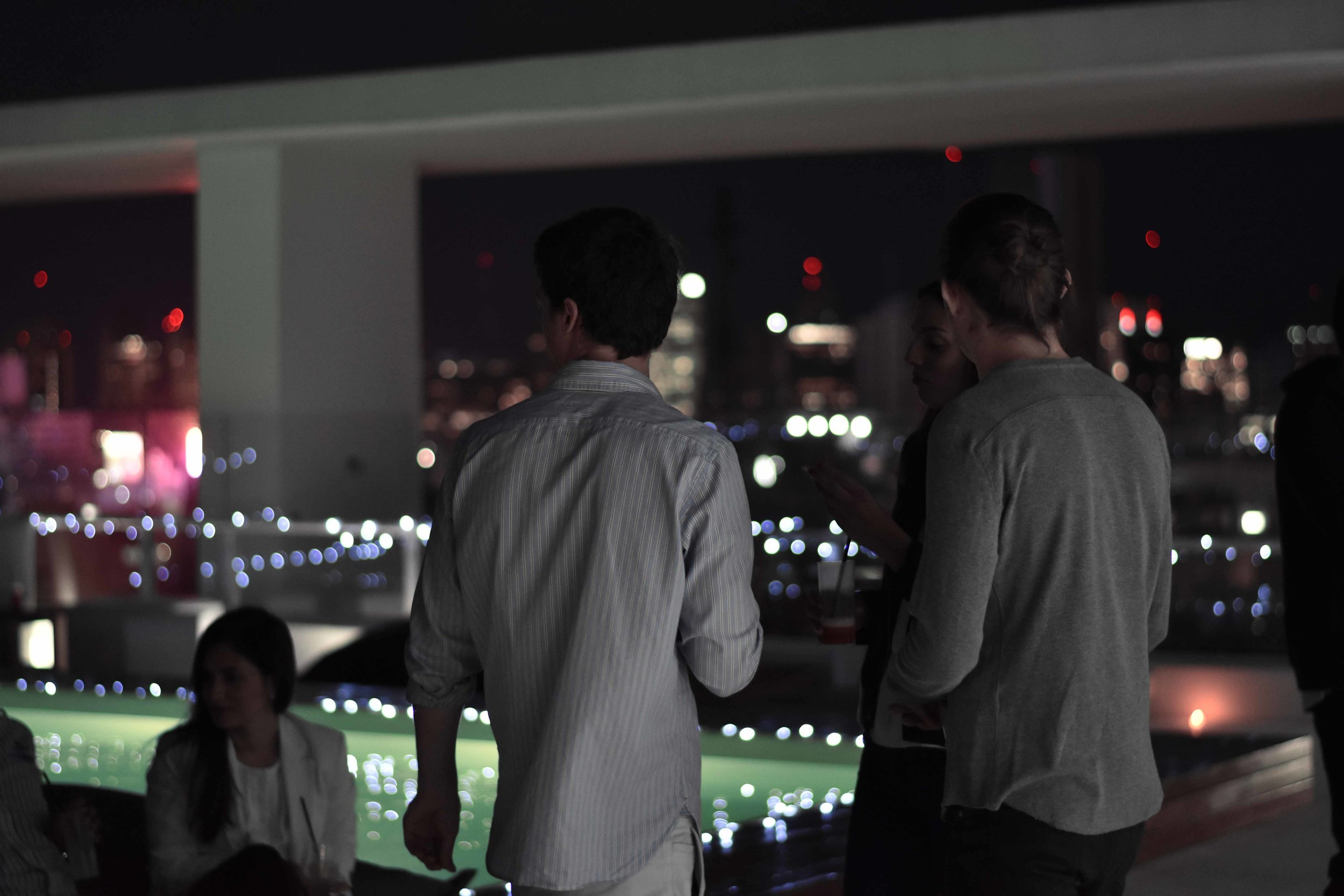 CASA _ CONGRESO MITRE - Vistas Porteñas: Desde la terraza del piso 19, la ciudad a tus pies. Tu refugio en el corazón de Buenos Aires, con las ventajas de vivir en el centro del distrito político. Todo lo que necesitas está en Casa Congreso, o a pasos de ella.