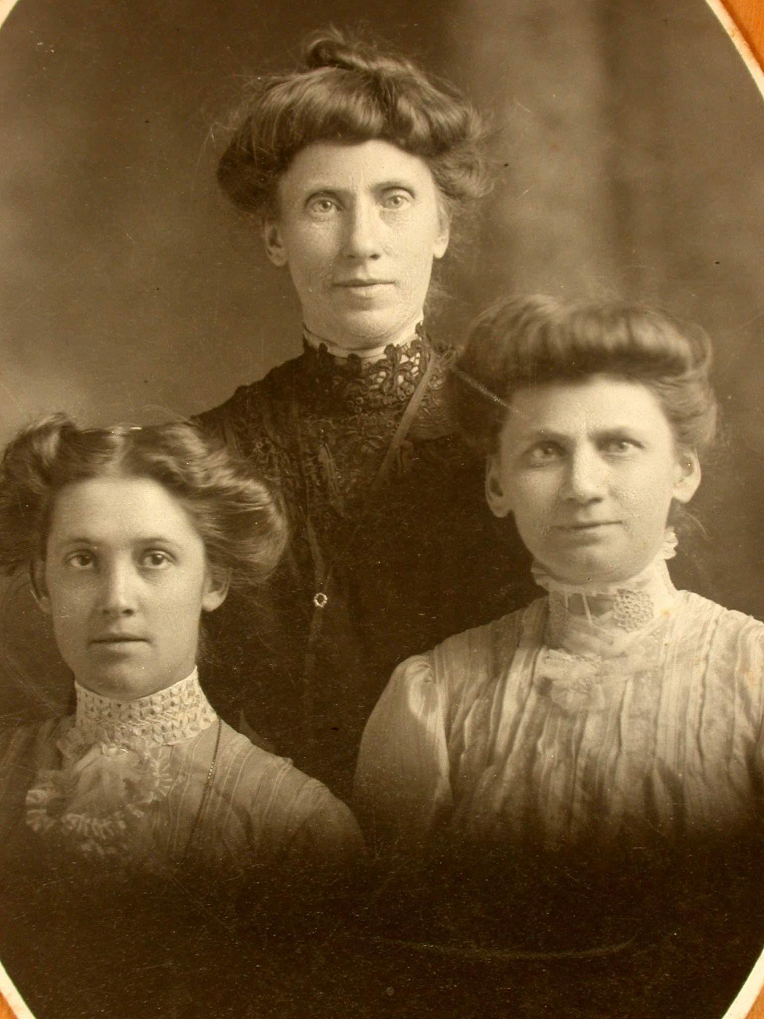 1887. Left to right: Isobel (Bel), Margaret, and Mary Spencer. This picture was taken in St. Catherines by an unknown photographer.