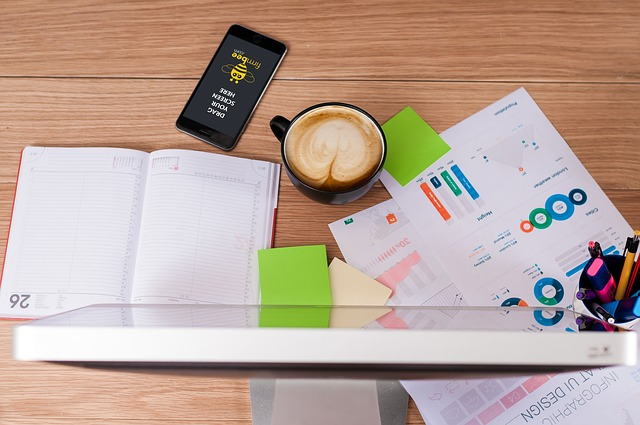 freelancer-desk-calendar-notebook-coffee.jpg